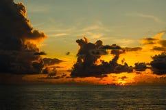 Silhouette de bateau images libres de droits