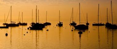 Silhouette de bateaux à voiles Photographie stock