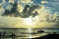 Silhouette de bord de la mer Photos stock