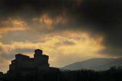 Silhouette de château de Torrechiara Photographie stock libre de droits