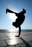 Silhouette de danseur sur un coucher du soleil Photos libres de droits