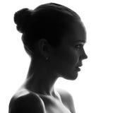 Silhouette de jolie femme image stock