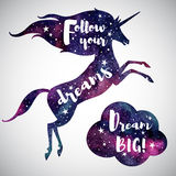 Silhouette de licorne et de nuage d'aquarelle avec des mots de motivation Image stock