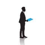 Silhouette de noir d'homme d'affaires se tenant intégrale au-dessus du dossier blanc de prise de fond illustration libre de droits
