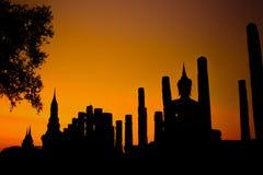 Silhouette de parc historique de Sukhothai Photos stock
