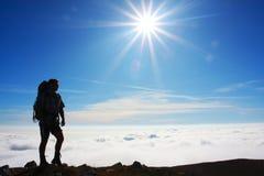 Silhouette de randonneurs Images stock