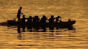 silhouette de regatta de bateau Photos stock