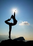 Silhouette de statue dans Budva Photos stock