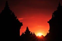 silhouette de temple dans le coucher du soleil Photo libre de droits