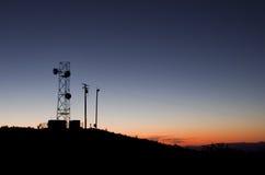 Silhouette de tour d'antenne Photos stock
