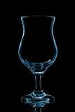 Silhouette de verre de cocktail bleu avec le chemin de coupure sur le fond noir Images libres de droits