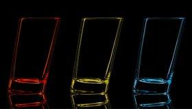 Silhouette de verre pour le tir sur le fond noir Image libre de droits