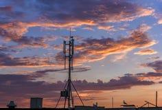 Silhouette des émetteurs de GSM Photos libres de droits