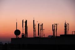 Silhouette des émetteurs de GSM Photo libre de droits