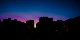 silhouette des gratte-ciel résidentiels, nuit, extérieure Image libre de droits