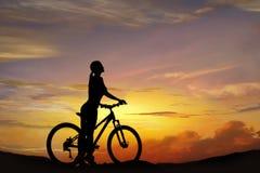 Silhouette du cycliste Images stock
