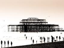 Silhouette du pilier est à Brighton Photos stock