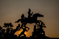 Silhouette du staue de l'histoire de Bouddha Photo libre de droits