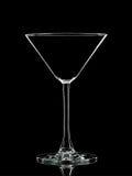 Silhouette du verre blanc de martini avec le chemin de coupure sur le fond noir Photographie stock libre de droits