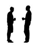 silhouette för öldrinkmän Fotografering för Bildbyråer