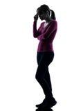 Silhouette för längd för tänkande sorgsenhet för kvinna full Royaltyfria Foton
