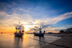 Silhouette of fisherman with sunrise Royalty Free Stock Photos