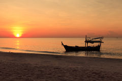 Silhouette of fishing boat Royalty Free Stock Images