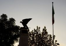 Silhouette flag and old world war 1 war memorial with an Eagle with outstretched wings, Sorrento Royalty Free Stock Photos