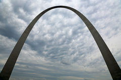 Silhouette of Gateway Arch on cloudy sky Royalty Free Stock Photography