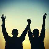 Silhouette heureuse d'amis Images libres de droits
