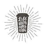 Silhouette monochrome de tasse de papier de vintage avec le lettrage pour le thème de boissons et de menu ou de café de boisson,  illustration libre de droits