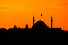 Silhouette of mosque at sunset in Istanbul Royalty Free Stock Photos