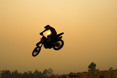 Silhouette motocross jump Royalty Free Stock Photography