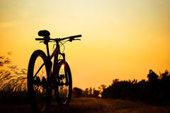 Silhouette of mountain biker Royalty Free Stock Images