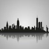 Silhouette noire de New York City avec la réflexion Illustration de vecteur Photo libre de droits