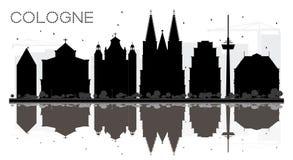 Silhouette noire et blanche d'horizon de ville de Cologne Allemagne avec la référence Image libre de droits