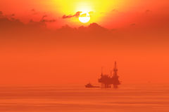 Silhouette Offshore Jack Up Drilling Rig Stock Image