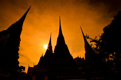 Silhouette pagoda at Wat Pho in the sunset, Thailand Royalty Free Stock Photos