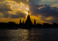 Silhouette shot of Wat Arun (Temple of Dawn) at sunset Royalty Free Stock Image