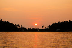 Silhouette of sunset time. Seascape of sunset at Bang Bao Koh Ch. Ang island, Trat Thailand Royalty Free Stock Photos