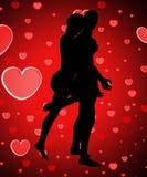 Silhouetted пары с влюбленностью Стоковое Изображение RF