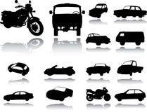 Silhouetten van auto's, motorfietsen en bussen Stock Foto