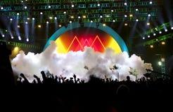 Silhouetten van de levende menigte van het muziekoverleg Stock Afbeelding