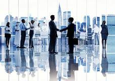 Silhouetten van Diverse Collectieve Bedrijfsmensen Stock Afbeeldingen