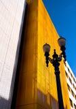 Silhouetten van klassieke en eigentijdse architectuur Stock Afbeelding