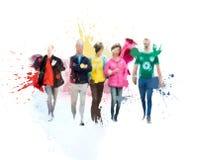 Silhouetten van lopende mensen Schets met kleurrijke waterkleur royalty-vrije stock foto