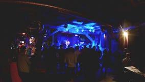 Silhouetten van zes musici Overleg bij de Club stock footage
