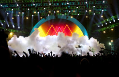 Silhouettes av konsertfolkmassan för live musik Fotografering för Bildbyråer