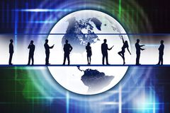 Silhouettes of business people with Earth Royalty Free Stock Photos