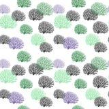 Silhouettes d'arbres de modèle sans couture de différentes couleurs Illustration de vecteur illustration de vecteur